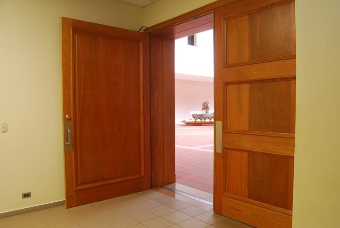 Parte interior puerta de paso de 4x4mts roble brasile o for Puertas de roble interior